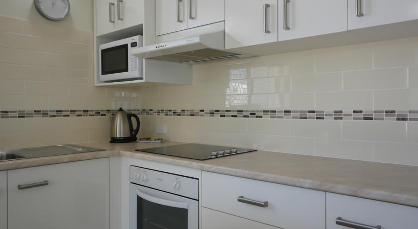 Merrima Court Holiday Apartments Kings Beach Kitchen